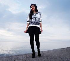 Sisley Sweatshirt, H&M Trumpet Skirt