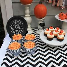 Halloween, Family Costume Party - Shabby Black and Orange