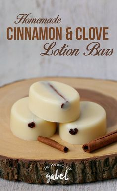 to Grow Garlic Easy homemade lotion bar recipes made with coconut oil, beeswax, and shea butter plus clove and cinnamon bark essential oils. Diy Lotion, Lotion Bars, Homemade Body Lotion, Homemade Scrub, Lotion En Barre, Diy Cosmetic, Cinnamon Bark Essential Oil, Homemade Moisturizer, Coconut Oil Uses