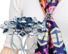 Elegantný trojprstenec v tvare kvetu a s kryštálikmi v strieborno-modrej farbe Napkin Rings, Wreaths, Home Decor, Luxury, Decoration Home, Room Decor, Bouquet, Interior Decorating, Floral Arrangements
