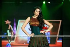 Deeksha seth in shravan kumar at SIIMA Awards 2012 in Dubai Day 1