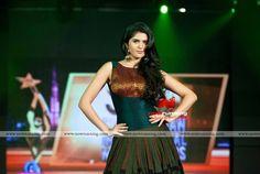 Deeksha seth in shravan kumar at SIIMA Awards 2012 in Dubai Day 1