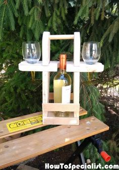 How to build an outdoor wine caddy – HowToSpecialist – How to Build, Step by Step DIY Plans Wooden Pallet Projects, Woodworking Projects Diy, Diy Projects, Woodworking Patterns, Diy Pallet, Pallet Wood, Woodworking Equipment, Fine Woodworking, Woodworking Mallet