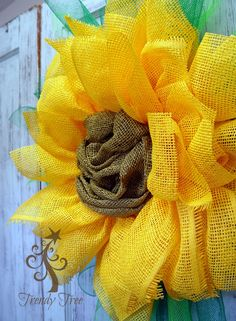 Paper Sunflower wreath and paper mesh center (instructions from Nicole D Creations) Video uploading....stay tuned!