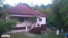 Minunata case de vanzare cu 4 in Hunedoara (judet), Brad, la 23 000 €. Aceasta case de vanzare construita pe un teren de 160 m², are 160  m&sup2 suprafata utila si 160 m² of suprafata construita. Storia 4442975 Case, Gazebo, Outdoor Structures, Kiosk