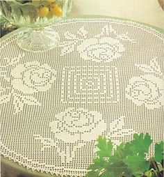 Filet Crochet 'Roses for a Round Table' - See free pattern