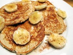 Peanut Butter Banana Protein Pancakes! - MY FAVORITE. You'll Need: 1 Banana 1 whole egg (or about 2 egg whites) 1 tbsp natural peanut butter  1 scoop vanilla protein powder (I use Optimum Nutrition Whey) 1/4 cup oats (optional) Directions: Mash the banana and mix with all other ingredients. Pour mixture onto skillet sprayed with non-stick cooking spray (I make about 3 pancakes). Flip when it begins to bubble and rise, and until both sides are a light golden brown. Top with fruit, extra…
