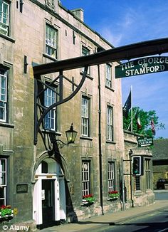 The George of Stamford, Lincolnshire, UK. Stamford is a really stunning town full of history and amazing architecture England Ireland, England And Scotland, England Uk, Stamford Lincolnshire, Lincolnshire England, Tours Of England, Uk History, Gallows, Croydon