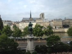 Wonderful Hôtel de Ville de Paris, where the News World Summit takes place: it's all about storytelling, social and journalism…and the place itself sort of tells a nice old story:)