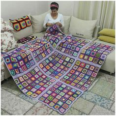 Transcendent Crochet a Solid Granny Square Ideas. Inconceivable Crochet a Solid Granny Square Ideas. Crochet Bedspread, Crochet Quilt, Crochet Squares, Crochet Blanket Patterns, Crochet Granny, Baby Blanket Crochet, Easy Crochet, Knit Crochet, Knitting Patterns