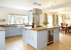 Painted Shaker kitchen by Harvey Jones : Cocinas modernas de Harvey Jones Kitchens