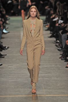 Givenchy Spring 2009 Ready-to-Wear Collection - Vogue