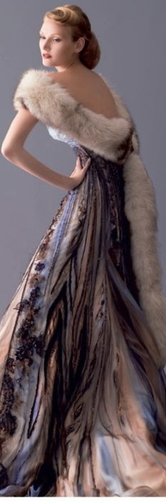 Blanka Matragi, she is a fashion designer from Czech Republick. She live in Bejrut 20 years were she has her a fashion salon Blanka haute couture and she clothes most rich ladies in orient, princess from Persia and them gallant madames. Beautiful Gowns, Beautiful Outfits, Mode Glamour, Foto Fashion, Fashion Models, Mode Inspiration, Dream Dress, Couture Fashion, Pretty Dresses