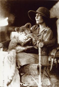 Alice de Janzé with her pet lion cub Samson at 4 months old, at her farm near Gilgil, Kenya Inspiration for Ralph Lauren Safari ad campaign?