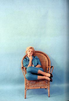 vintage everyday: Marilyn Monroe in Blue – Beautiful Portraits of Marilyn Monroe Taken by Milton Greene in 1954