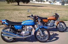 1972 Kawasaki 750 - pipey and fast and didn't get one except in my dreams. Part of the 250 500 and 750 lineup. Motos Kawasaki, Kawasaki 500, Kawasaki Bikes, Vintage Bikes, Vintage Motorcycles, Cars And Motorcycles, Cbr, Kawasaki Classic, Honda