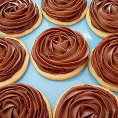 Chocolate Fudge Frosted Sugar Cookies Recipe but I'm thinking Turtles Chocolate Frosting Recipes, Sugar Cookie Frosting, Chocolate Fudge Cake, Chocolate Icing, Sugar Cookies Recipe, Cookie Recipes, Dessert Recipes, Desserts, Delicious Chocolate