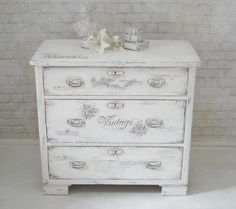 1000 ideas about kommode shabby on pinterest kommode. Black Bedroom Furniture Sets. Home Design Ideas