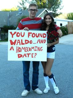 This has to be the cutest way to ask someone to homecoming ever! Why didn't anyone think of this while I was in high school!?