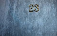 автор: antanasc / размер: 2048x1365 / теги: номер, дверь