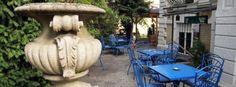 Hidden culture café in Buda - Bálint Galéria Café Culture Cafe, Hidden Beauty, Cafe Bar, Garden Sculpture, Ale, Budapest Hungary, Vintage Coffee, Outdoor Decor, Europe