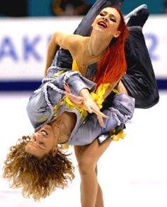 Marina Anissina & Gwendal Peizerat - so badass, she lifts him!