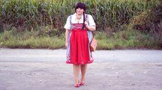 Die goldenen Styling-Regeln fürs Oktoberfest findet ihr auf gofeminin.de!  http://www.gofeminin.de/styling-tipps/welche-schuhe-zum-dirndl-styling-tipps-oktoberfest-s1510186.html