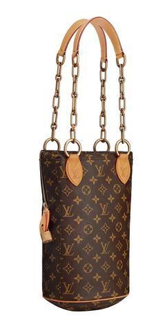 Punching bag de Karl Lagerfeld para Louis Vuitton  Louis Vuitton según Louboutin y Lagerfeld  Punching bag que Karl Lagerfeld ha diseñado para Louis Vuitton como parte de la colección Celebrating Monogram.