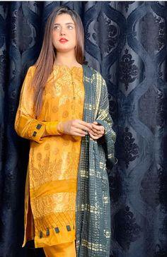 Beautiful Pakistani Dresses, Pakistani Formal Dresses, Pakistani Fashion Casual, Indian Fashion Dresses, Pakistani Dress Design, Pakistani Models, Muslim Fashion, Hijab Fashion, Women's Fashion