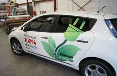 Nissan Leaf belettering voor Garage Denissen Tilburg