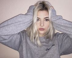 """Find and save images from the """"okaysage"""" collection by majo (masterbitch) on We Heart It, your everyday app to get lost in what you love. Pretty People, Beautiful People, Beautiful Sky, Beautiful Images, Tumbrl Girls, Instagram Baddie, White Hair, Aesthetic Girl, Gothic Aesthetic"""