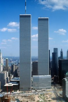 The World Trade Towers 1975 - Sept 2001 World Trade Center Attack, World Trade Center Nyc, Trade Centre, Modern Buildings, Beautiful Buildings, Beautiful Places, Modern Architecture, World Trade Towers, 11 September 2001
