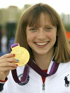 Katie Ledecky wins gold for the 400-meter freestyle