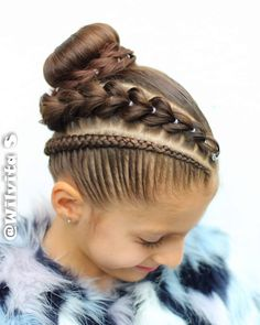 20 Cute Girls Hairstyle for Back to School - Having a hard time choosing girls hairstyle for school? Here are twenty cute ones for your inspiration that are easy to recreate! Girls School Hairstyles, Girls Natural Hairstyles, Braided Bun Hairstyles, Little Girl Hairstyles, Pretty Hairstyles, Braided Hairstyles, Competition Hair, Girl Hair Dos, Victorian Hairstyles