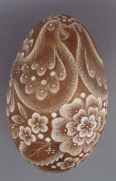 Pysanka art ,Ukraine, from Iryna Scratch Art, Ukrainian Easter Eggs, Egg Designs, Egg Art, Sgraffito, Egg Decorating, Handmade Jewelry, Diy Crafts, Creative