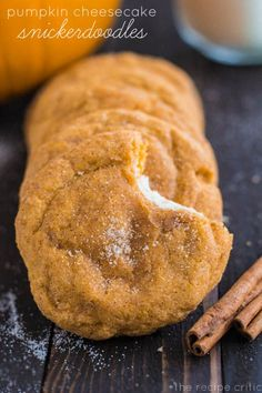 My family loves Snickerdoodle cookies, I can't wait to try this Pumpkin Cheesecake Snickerdoodles Recipe ~ Delicious soft and puffy pumpkin snickerdoodles with a surprise cream cheese center. Pumpkin Recipes, Fall Recipes, Sweet Recipes, Holiday Recipes, Cookie Recipes, Dessert Recipes, Pumpkin Pie Cookies Recipe, Healthy Recipes, Pumpkin Cheesecake Snickerdoodles