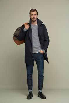 Marc O'Polo - Casual fall outfit idea with a gray sweater black trench coat blue jeans olive duffle bag black socks black leather penny loafers. Fashion Moda, Suit Fashion, Mens Fashion, Fashion Outfits, Men's Outfits, Style Casual, Casual Fall Outfits, Men Casual, Mode Man