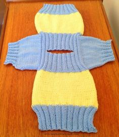 baby pullover Fish and Chip Baby Knitting Patterns: I really thought that my mother had finally lost the plot on the phone last week when she said that she was knitting jumpers for the fish and chip babies! Knitting For Charity, Easy Knitting, Knitting For Kids, Knitting Ideas, Baby Cardigan Knitting Pattern Free, Dog Sweater Pattern, Baby Sweater Patterns, Baby Hats Knitting, Pants Pattern