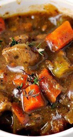 Recipe for Classic Beef Stew - Here's a good old-fashioned stew with rich beef gravy that lets all of the flavors come through. This is the perfect hearty dish for a blustery winter day. beef stew Recipe for Classic Beef Stew Slow Cooker Recipes, Cooking Recipes, Healthy Recipes, Easy Stew Recipes, Fall Crockpot Recipes, Cheap Recipes, Irish Recipes, Healthy Meals, Salad Recipes
