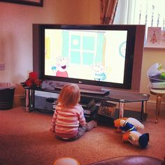 "Peppa Pig gives me five minutes to ""chill"" #snaphappybritmums"