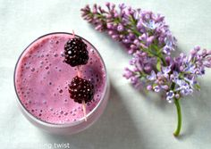 Blackberry smoothie with chia seed