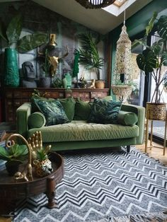 Dark Living Rooms, Living Room Green, Boho Living Room, Green Rooms, Living Room Decor, Bedroom Decor, Tropical Living Rooms, Green Walls, Living Room Modern