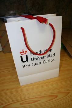 bolsas de papel y cartón personalizadas