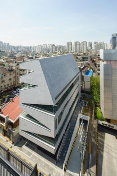 Gallery of M.C. Building / URCODE Architecture - 9