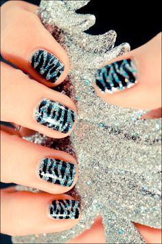 ♥ OPI - Shimmer & Simmer  ♥ Essence - Black nail art pen