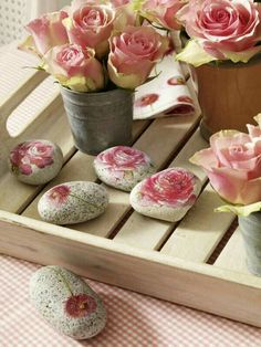Decoupage on rocks