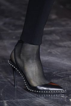 Now this is an office shoe! Alexander Wang Fall 2017 Ready-to-Wear Accessories Photos - Vogue