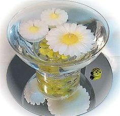 Brighten your special day with these fun floating daisy candles. Both are unscented. Floating Candles, Diy Candles, Yellow Wedding, Summer Wedding, Yellow Centerpieces, Decorating With Pictures, Halloween Diy, Punch Bowls, Special Day
