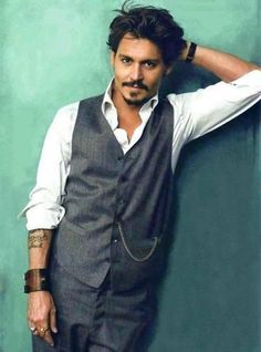 Johnny Depp <3. Self-explanatory. Who doesn't fall for this? Seriously.