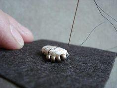 Bead embroidery tutorial. Tutorial de bordado con abalorios